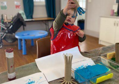 20210719-Early-Links-Playgroup_0002_Boy-painting-rain-sticks